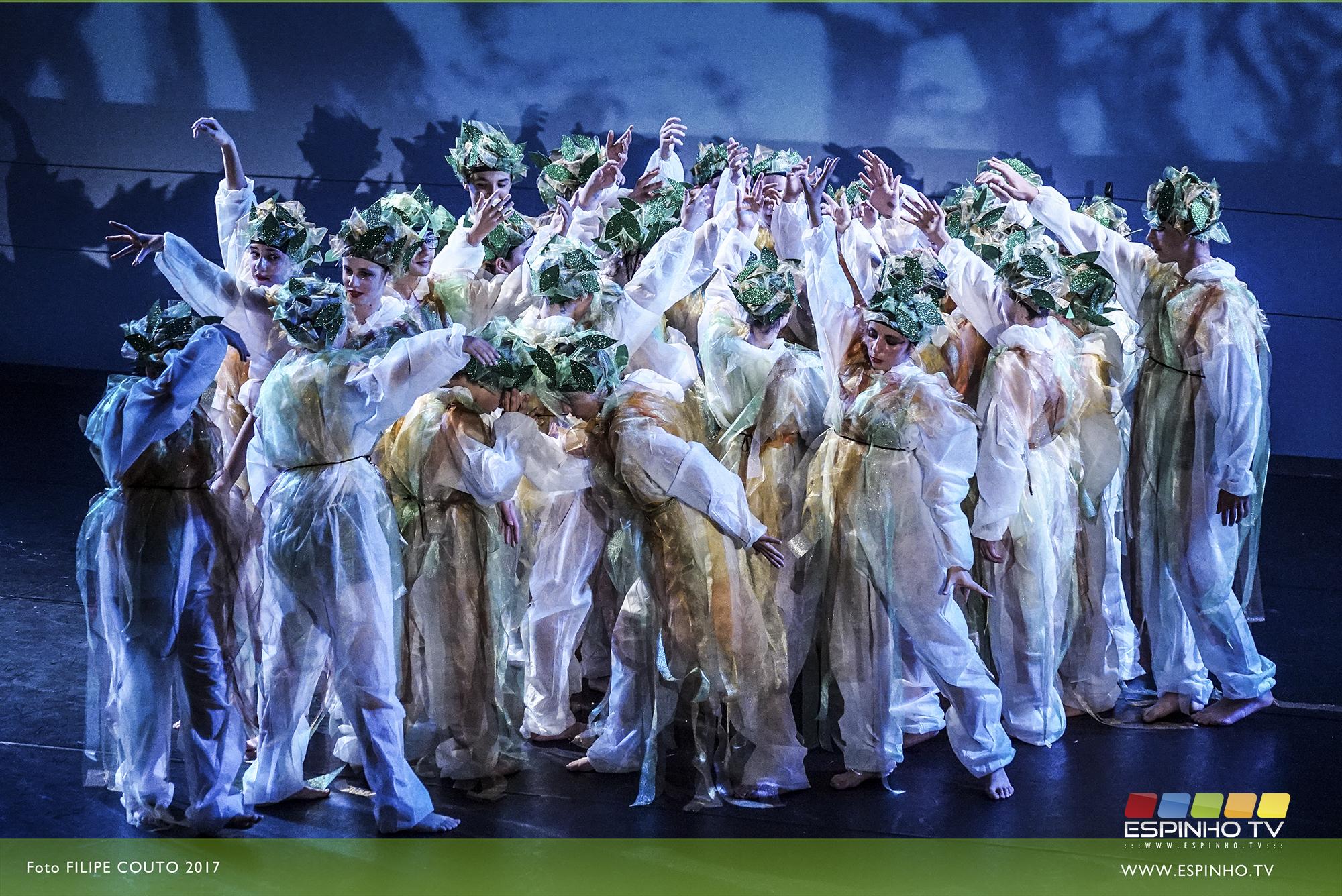 """Alunos da ESML levaram ao palco espetáculo de teatro musical """"Água é Vida"""""""