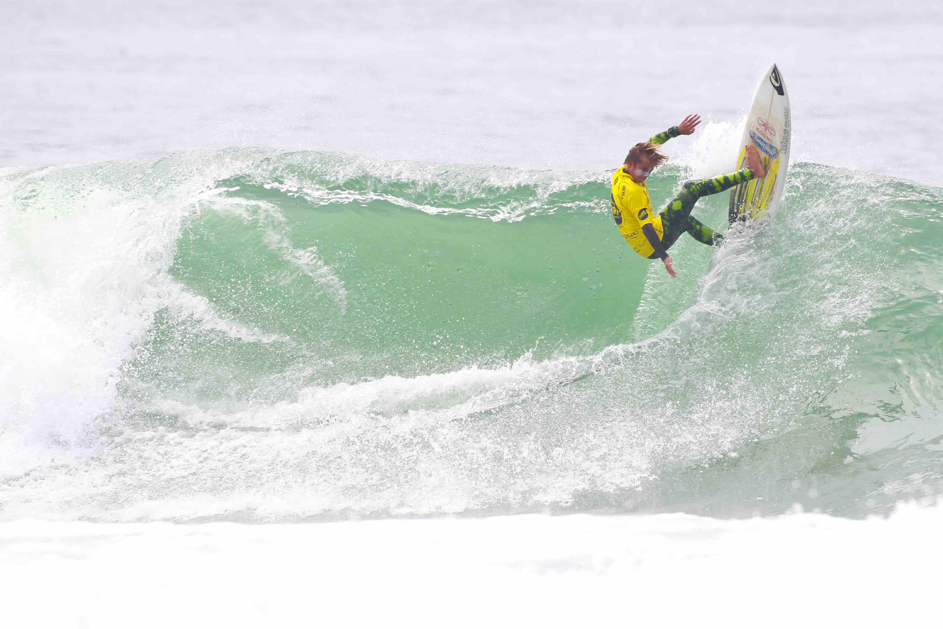 Circuito Mundial De Surf : 150 atletas disputam a 3ª etapa na europa do circuito mundial de