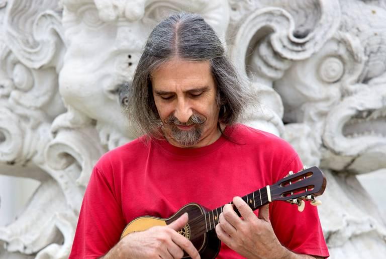 Júlio Pereira apresenta novo disco em Espinho este sábado