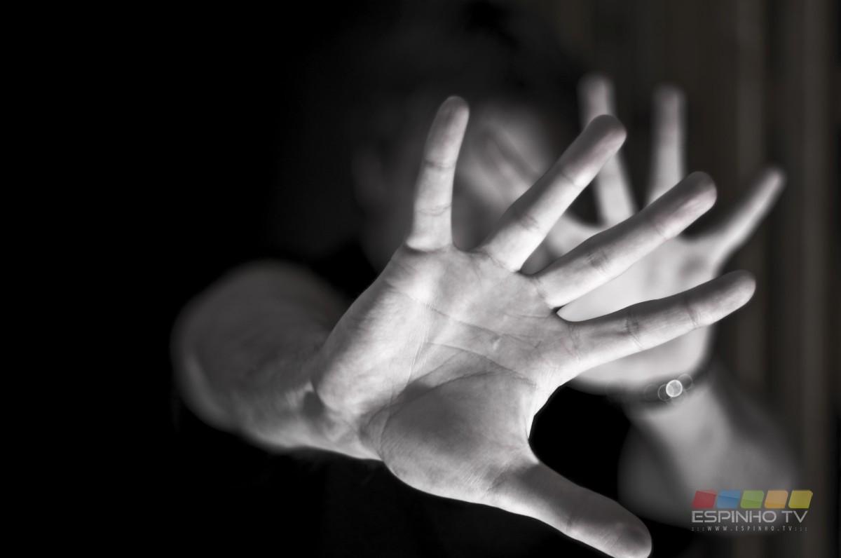 Detipo homem em Espinho por violência doméstica