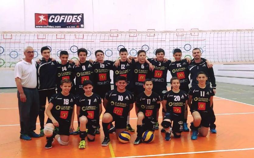 Voleibol: Iniciados da AAE em 8º lugar