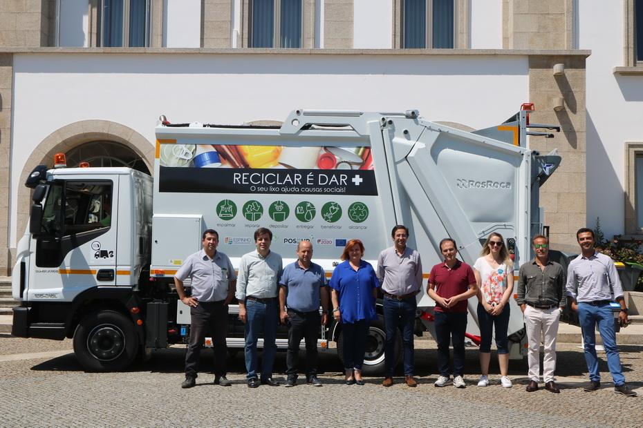 Autarquia recebe viatura da Lipor para recolha seletiva de resíduos