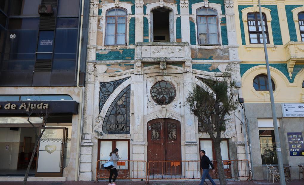 Antiga sede do SCE vai ser demolida por razões de segurança