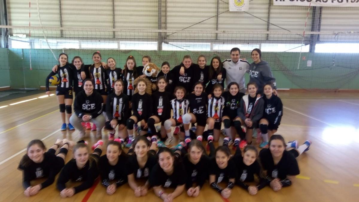 Voleibol SCE: Minis B apuram-se para a Final do Torneio Ano Novo