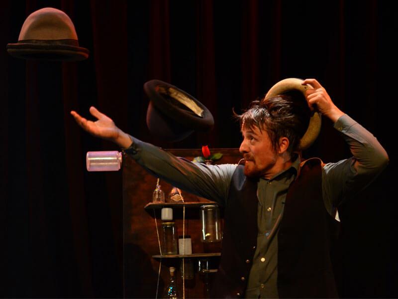 Espectáculo de teatro de objectos e novo circo no Auditório de Espinho