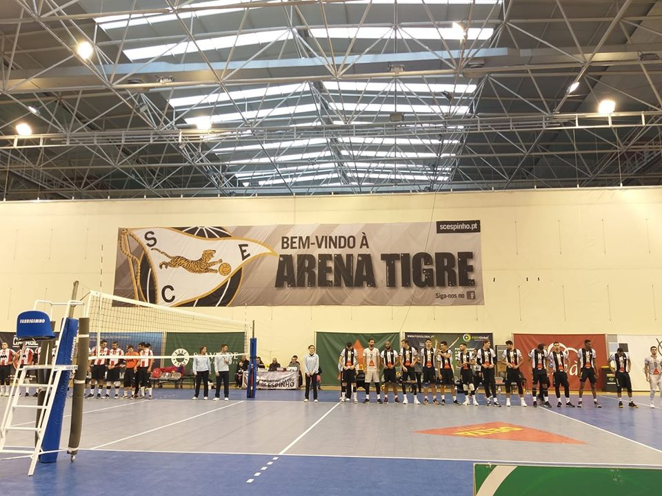 Voleibol SCE: Vitoria clara no Clássico
